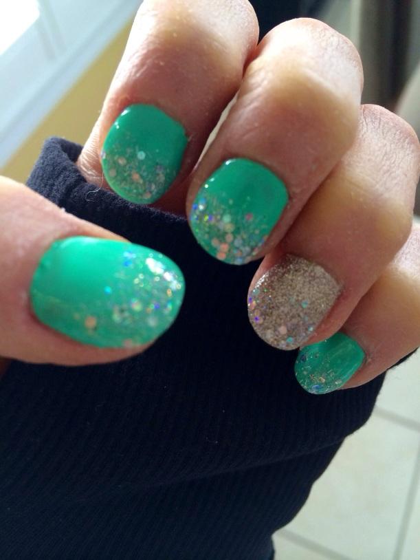 Mani. Love those sparkles!